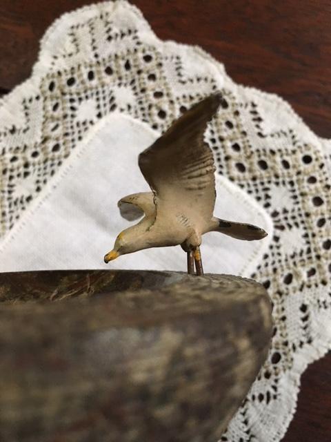 英国アンティーク鳥モチーフの石のお皿横から