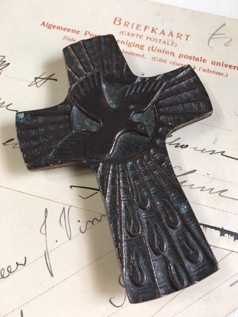 英国ヴィンテージ鳥モチーフ十字架の壁掛け