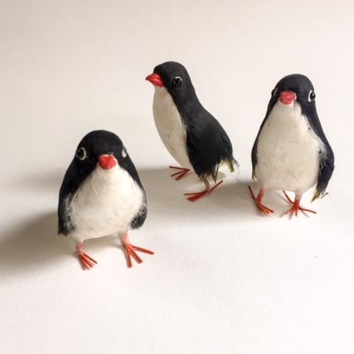 英国製ペーパークラフトのペンギン3兄弟