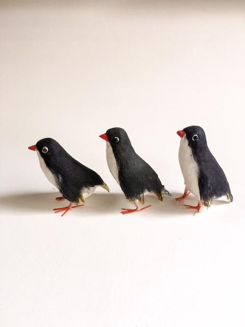 英国製ペーパークラフトのペンギン3兄弟横から
