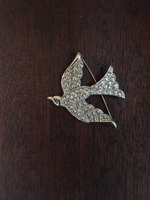 英国ヴィンテージの鳥のラインストーンブローチ