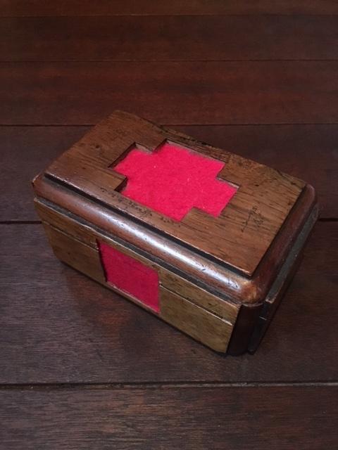 英国ヴィンテージの救急箱