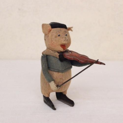 ドイツヴィンテージのSCHUCO社バイオリン弾きの子ブタ