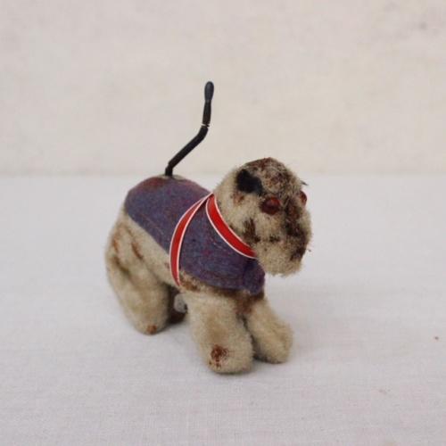イギリスヴィンテージのしっぽふり馬さんのおもちゃ
