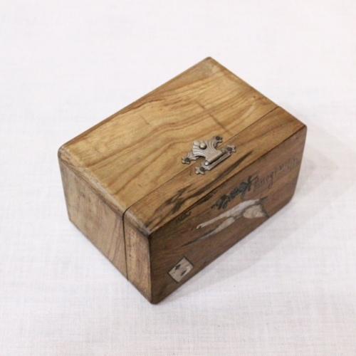 フランスヴィンテージのコウノトリ柄木箱