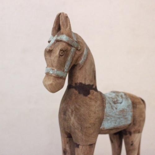 英国ヴィンテージの青い木馬