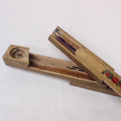 英国ヴィンテージの花柄木製ペンケース内部