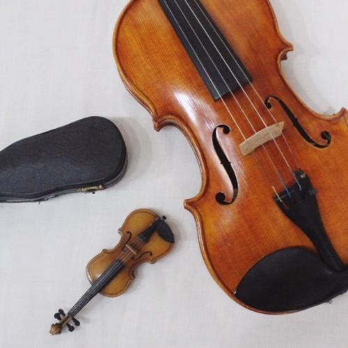 英国ヴィンテージのミニチュアバイオリンサイズ感
