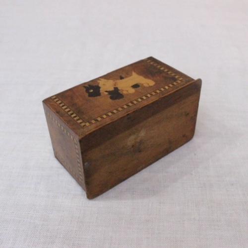 英国ヴィンテージの嵌め木細工の木製ボックスの底面