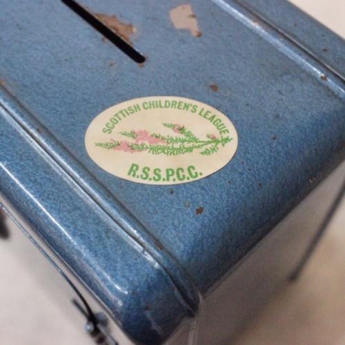 英国ヴィンテージの青い金庫型貯金箱のラベル