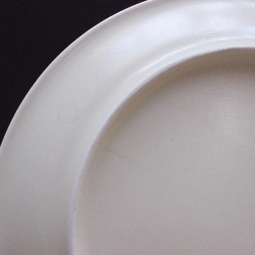 フランスヴィンテージのセピア色のヤギの絵皿の底面